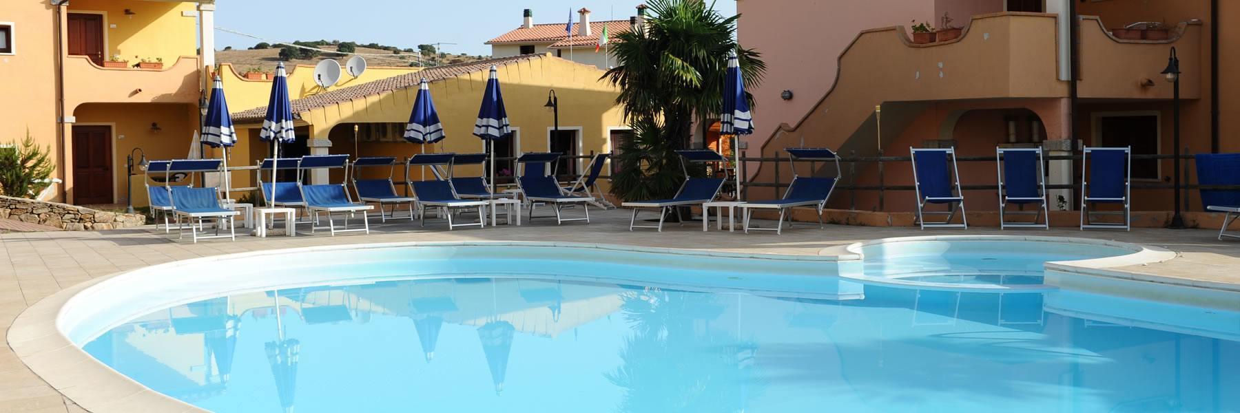 Residence con piscina a budoni sardegna residence corte for Residence con piscina budoni