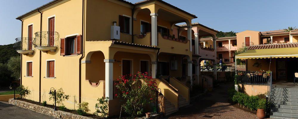 Residence con piscina a budoni sardegna residence corte - Residence con piscina sardegna ...